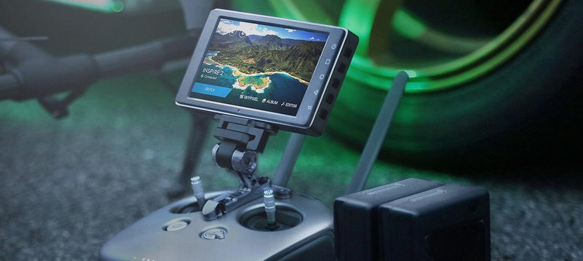 CrystalSky. Новый ультраяркий дисплей для безопасного управления дроном и камерой